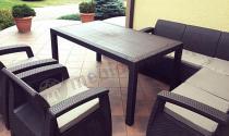 Zestaw ogrodowy Corfu Relax Duo z wysokim stołem na jasnym tarasie