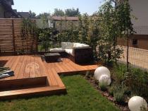 Zestaw ogrodowy Nilamito V Brown & Ecru na drewnianym tarasie