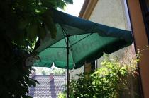 Zielony parasol ogrodowy kwadratowy Sunline Waterproof III