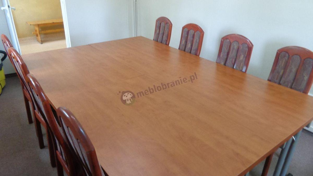 Składane stoły konferencyjne w odcieniu grusza