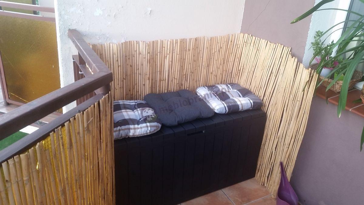 Skrzynia balkonowa z tworzywa sztucznego ozdobiona poduszkami