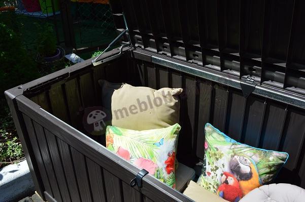Skrzynia ogrodowa plastikowa Keter z kolorowymi poduszkami