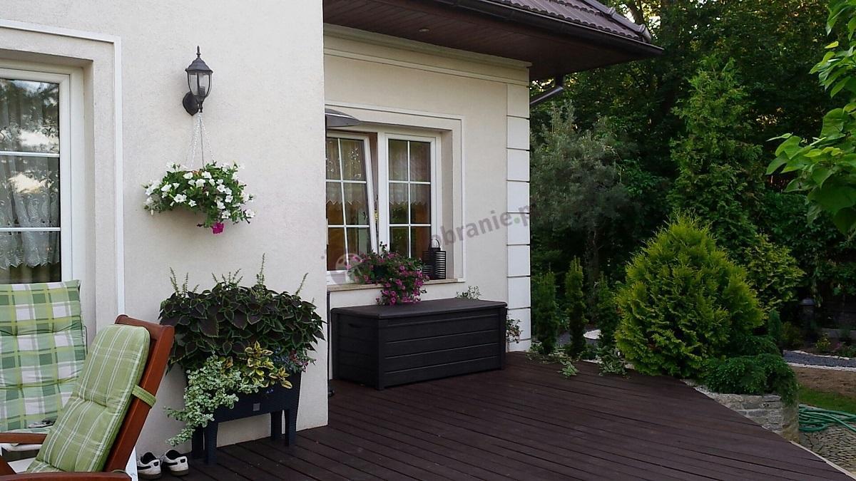 Skrzynia siedzisko do ogrodu brązowa z tworzywa