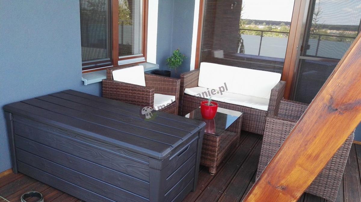 Skrzynka na balkon plastikowa i meble z technorattanu