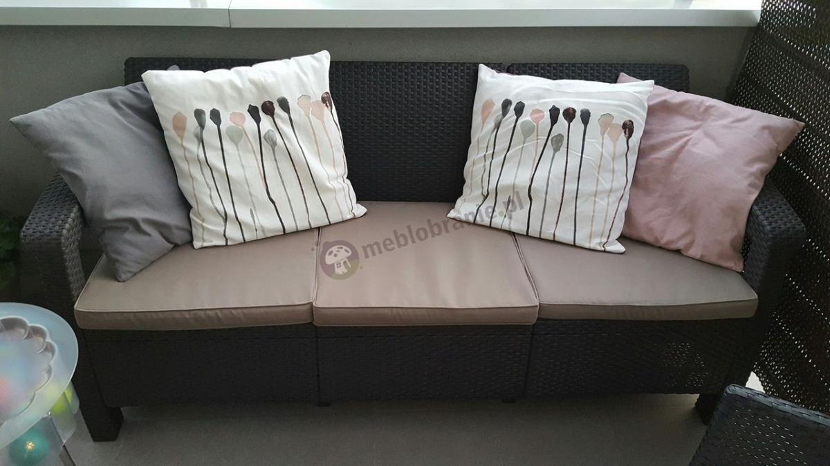 Sofa ogrodowa technorattan look z ozdobnymi poduszkami