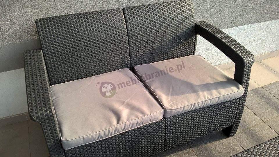 Sofa technorattan Corfu grafitowa z szarymi poduszkami