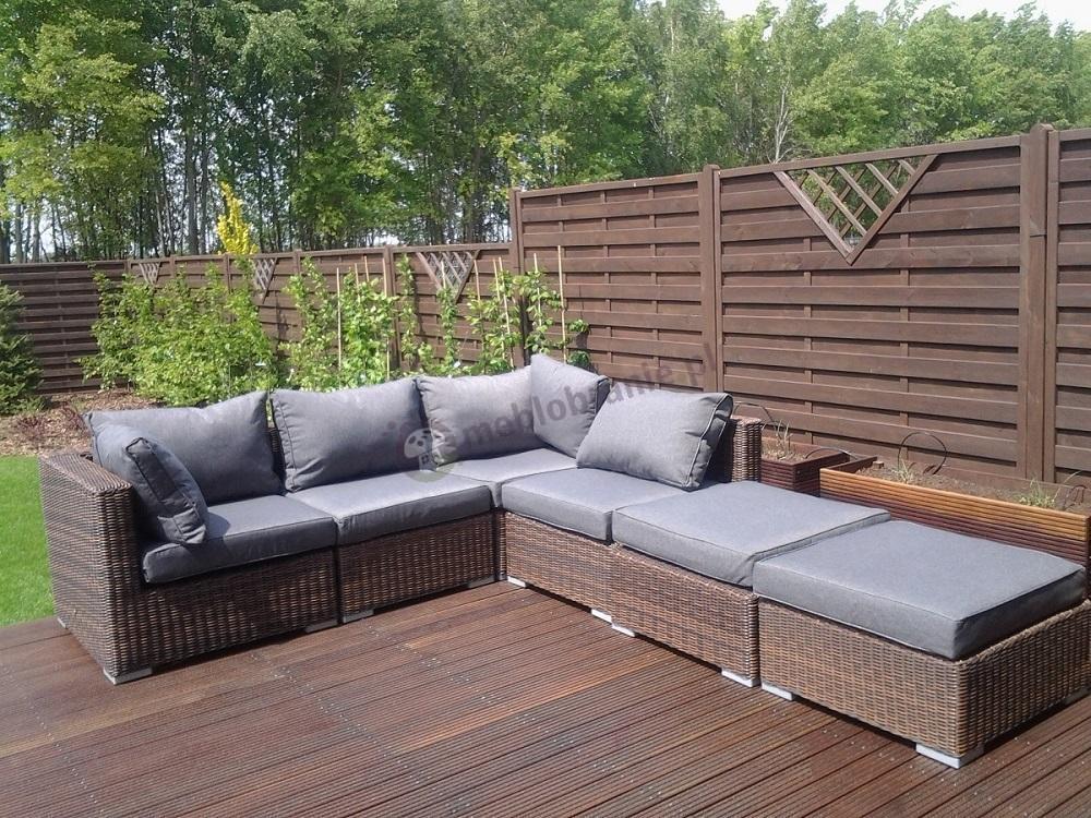 Sofa technorattan modułowa Ligurito na drewnianym tarasie