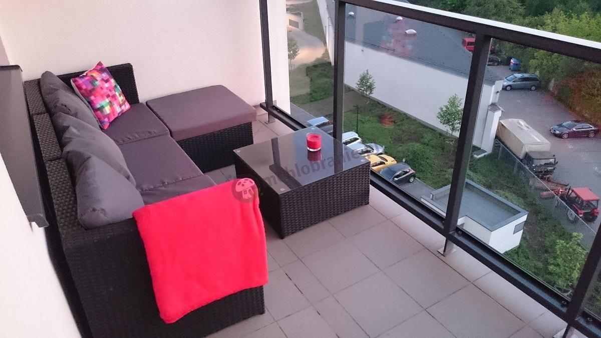 Sofy z technorattanu na balkon nowoczesne
