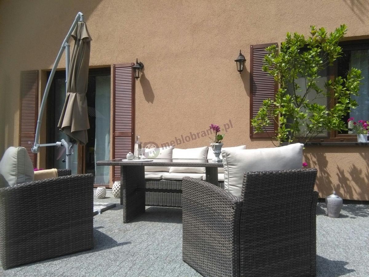 Stelvio Caffe meble ogrodowe technorattan używane na przydomowym tarasie