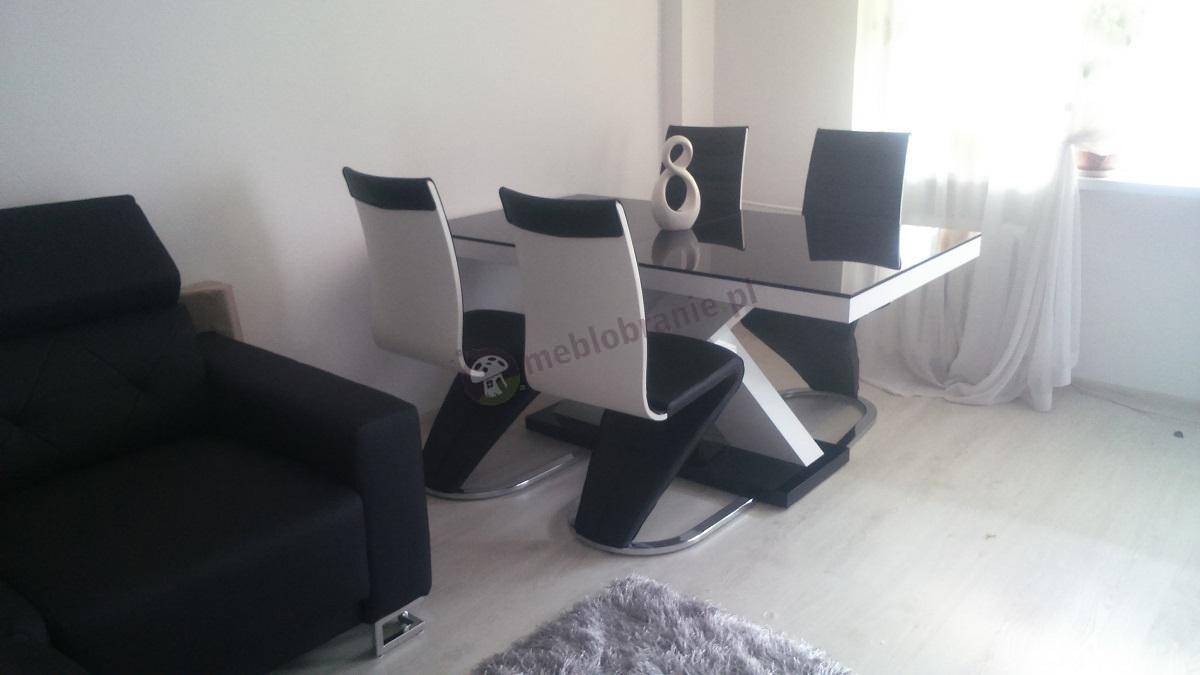 Stół do salonu rozkładany w wysokim połysku