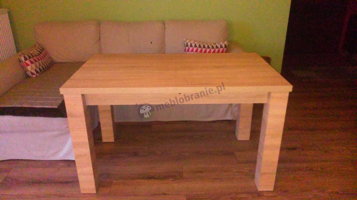Stół drewniany rozsuwany dąb sonoma w salonie