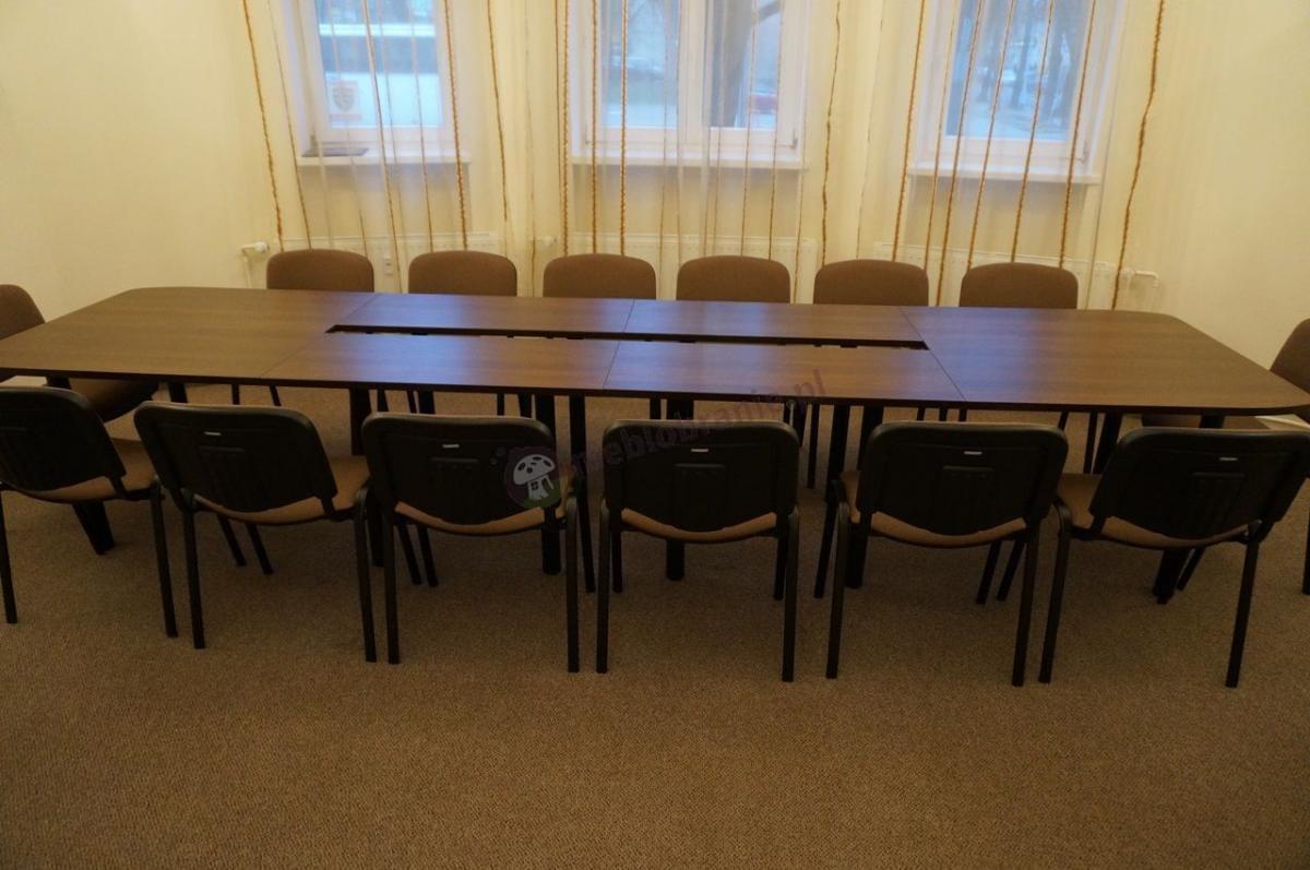 Stół konferencyjny dla 14 osób w kolorze mahoń