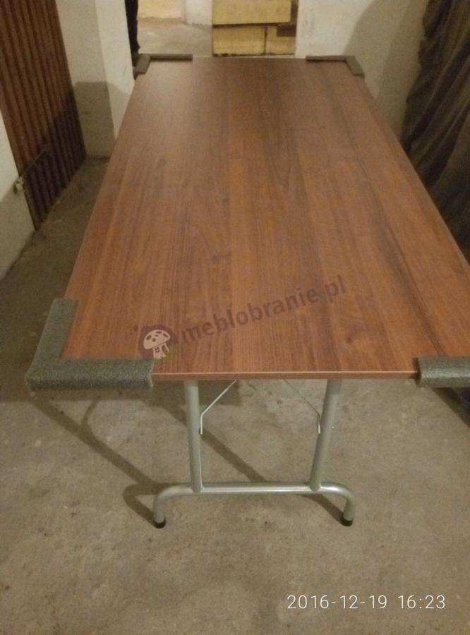 Stół konferencyjny na stelażu metalowym w odcieniu orzech
