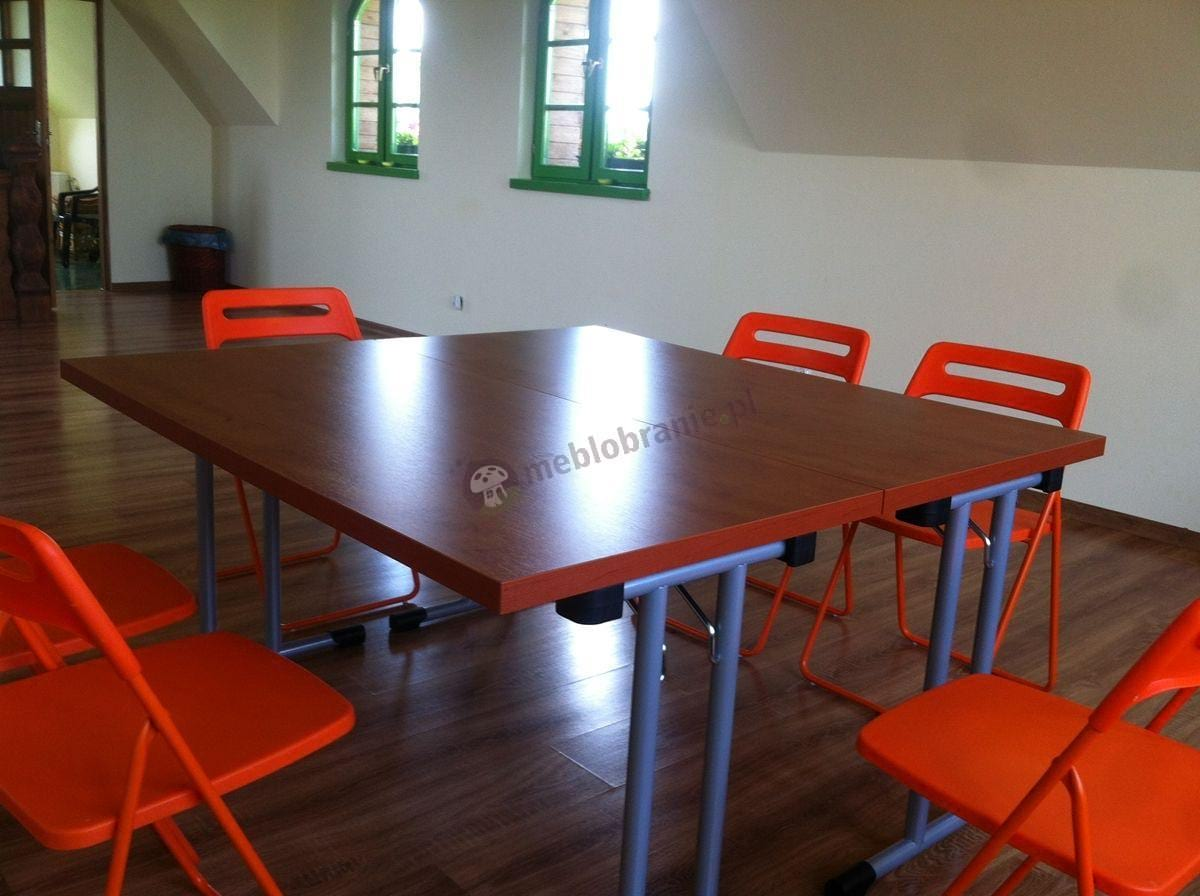 Stół konferencyjny składany 139x68 w kolorze grusza