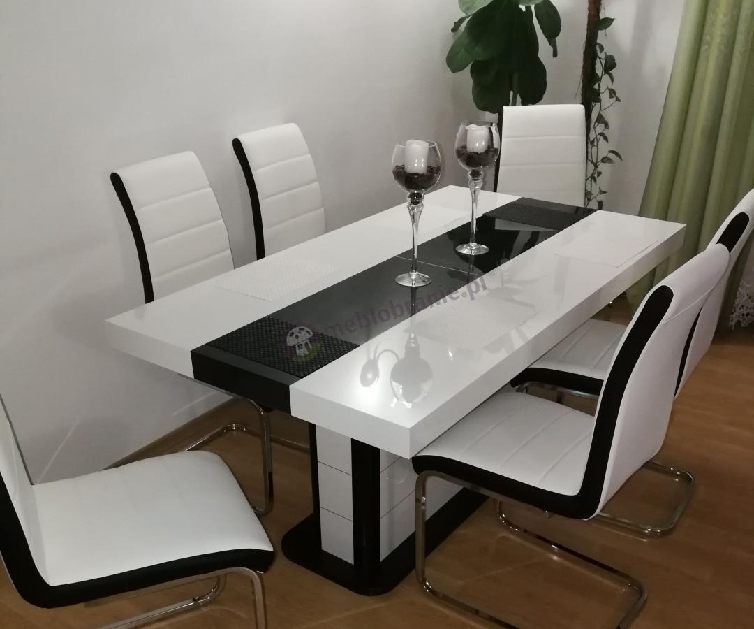 Stół na jednej nodze Pianosa z pasującymi krzesłami
