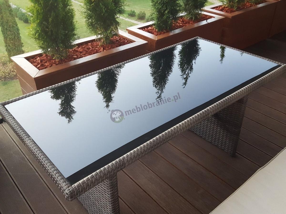Stół ogrodowy technorattan z blatem z ciemnego szkła