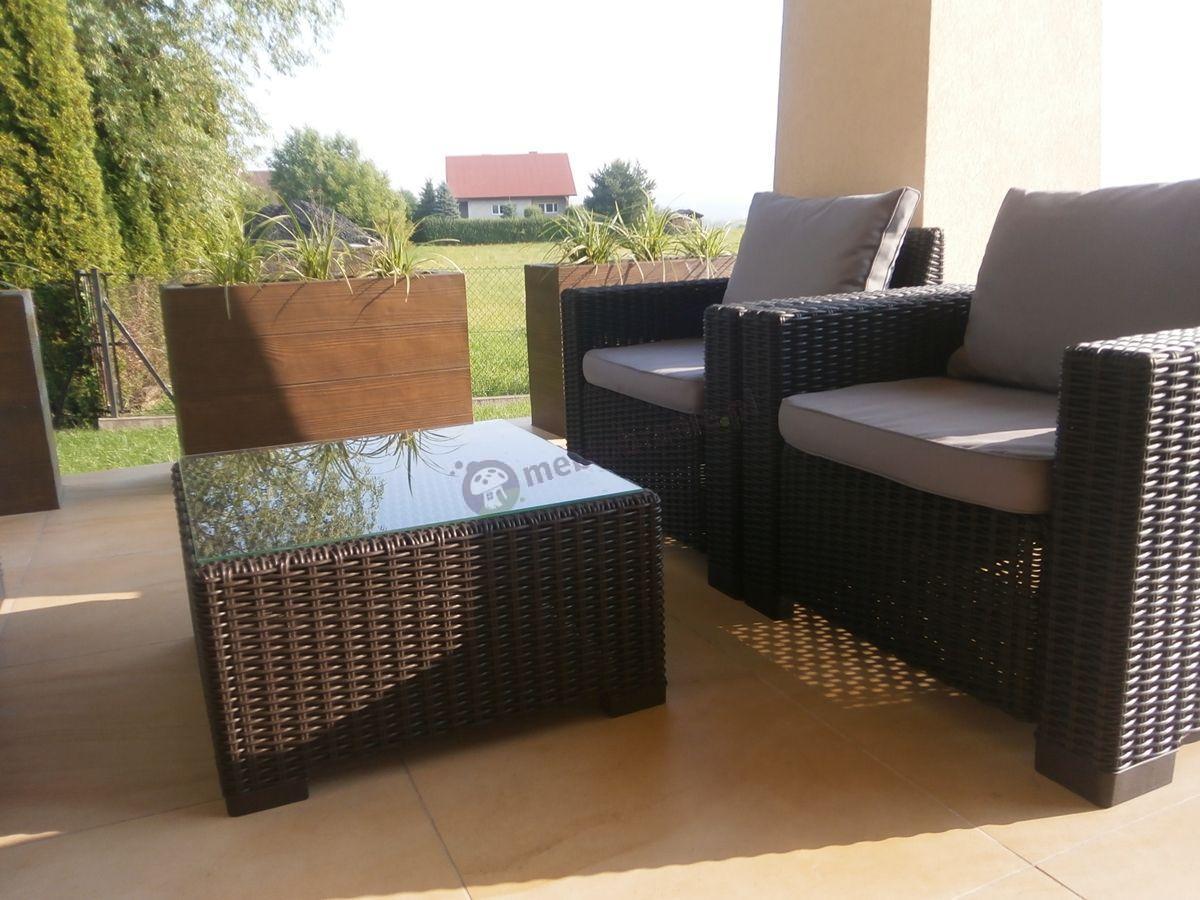 Stolik ogrodowy przykryty przez klienta szkłem