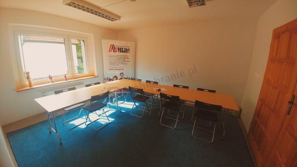 Stoły konferencyjne składane w sali zajęć plastycznych dla dzieci
