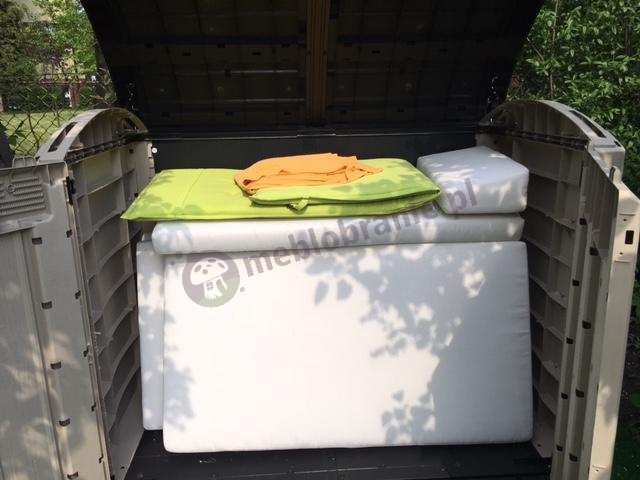 Szafa ogrodowa używana do chowania poduszek