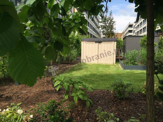 Szafa w ogrodzie duży i pojemny model marki Keter