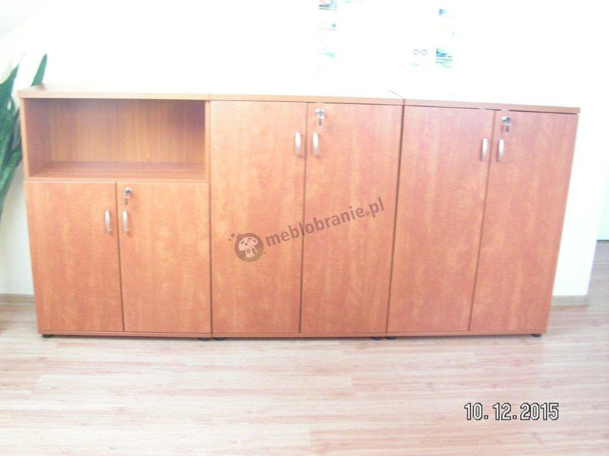 Szafy w kolorze calvados używane w biurze