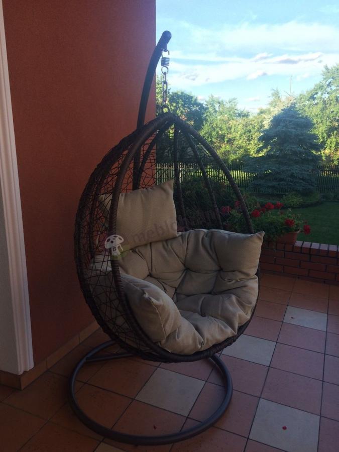 Tani fotel jajo technorattan na łańcuchu elegancki fotel wiszący Dondolo