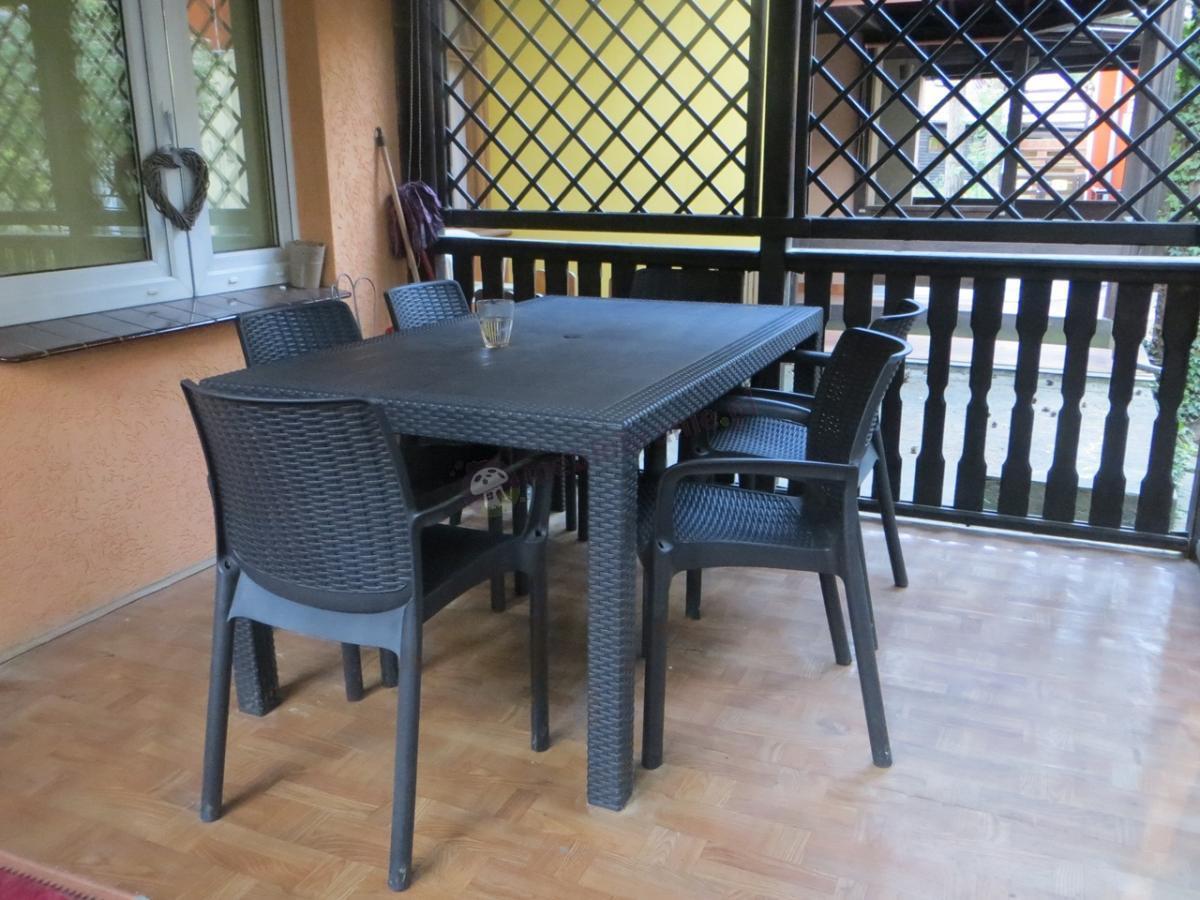 Tanie meble obiadowe ogrodowe dla 6 osób z wytrzymałymi krzesłami