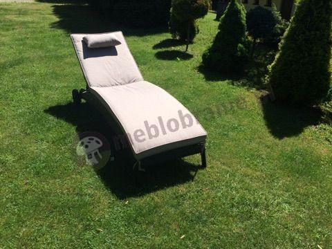 Technorattanowy leżak z kółkami do ogrodowy Bali
