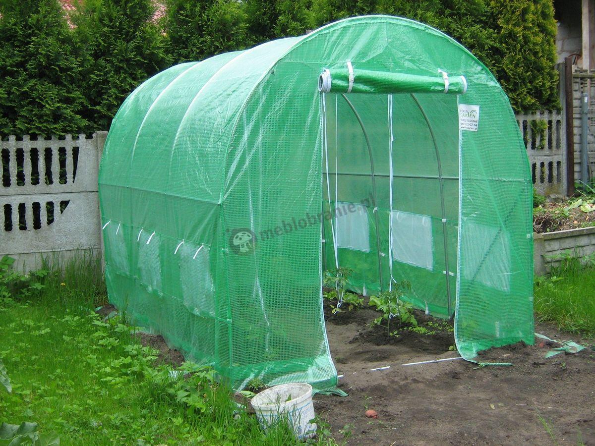 Tunel foliowy używany w dużym ogrodzie