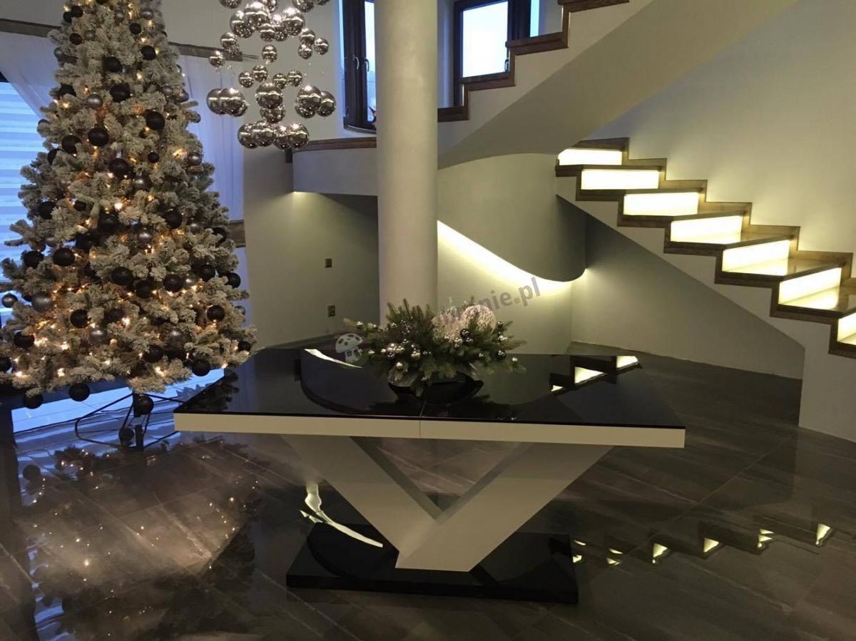 Viktoria stół na wysoki połysk w pięknej świątecznej aranżacji