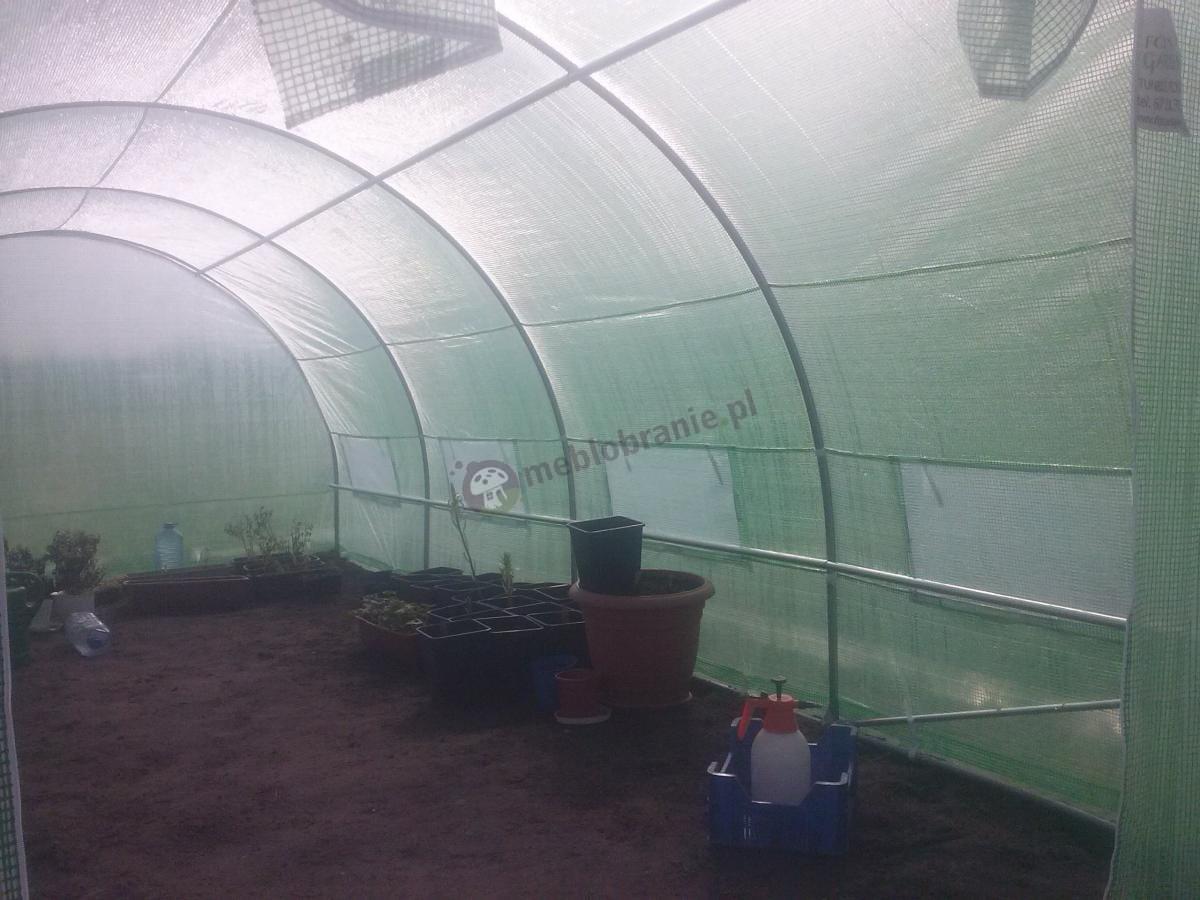 Wnętrze gotowego tunelu foliowego Focus Garden 6x3