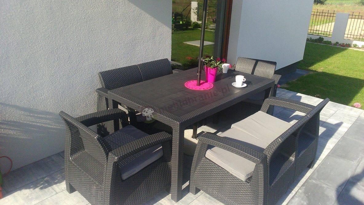 Zestaw Corfu Fiesta ozdobiony różowymi dodatkami