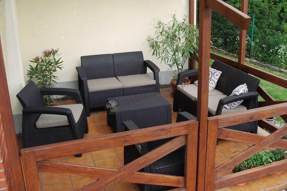 Zestaw Corfu Set uzupełniony dodatkową sofą