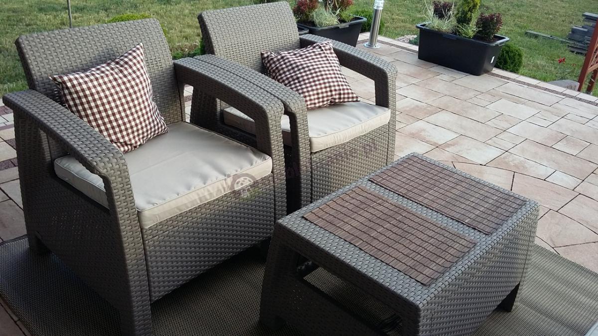 Zestaw Corfu Set z eleganckimi poduszkami w kratę