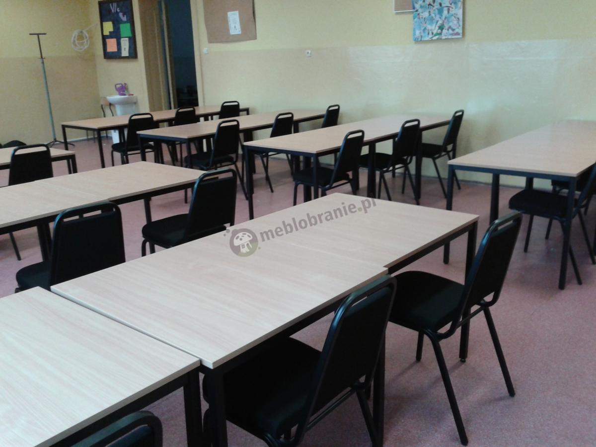 Zestaw krzeseł bankietowych Banquet w sali szkolnej