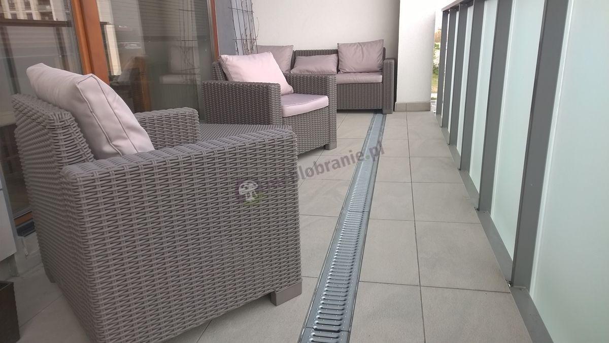 Zestaw mebli balkonowych w pięknym odcieniu cappucino