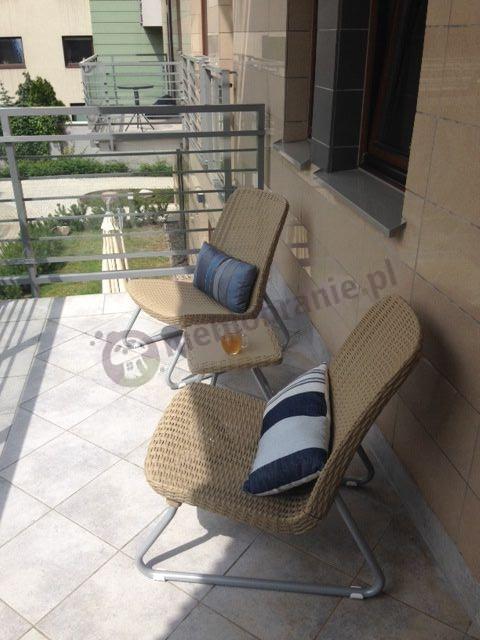 Zestaw mebli na balkon piaskowy z poduszkami