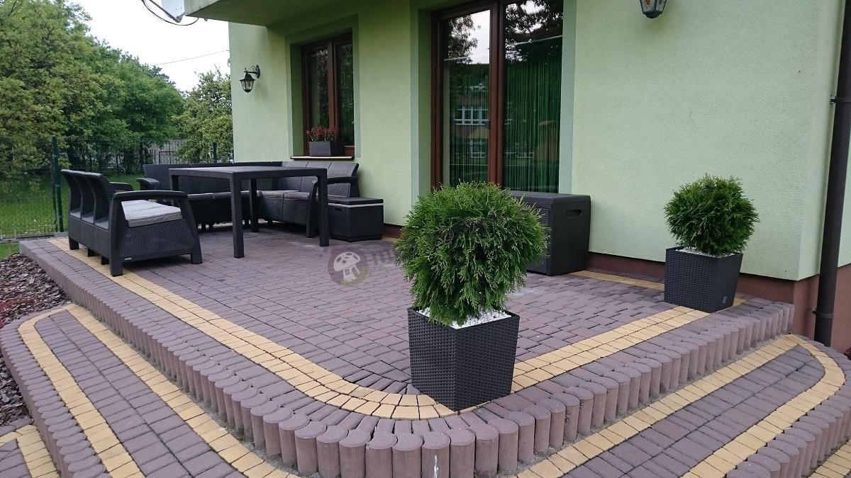 Zestaw mebli ogrodowych Corfu na eleganckim tarasie