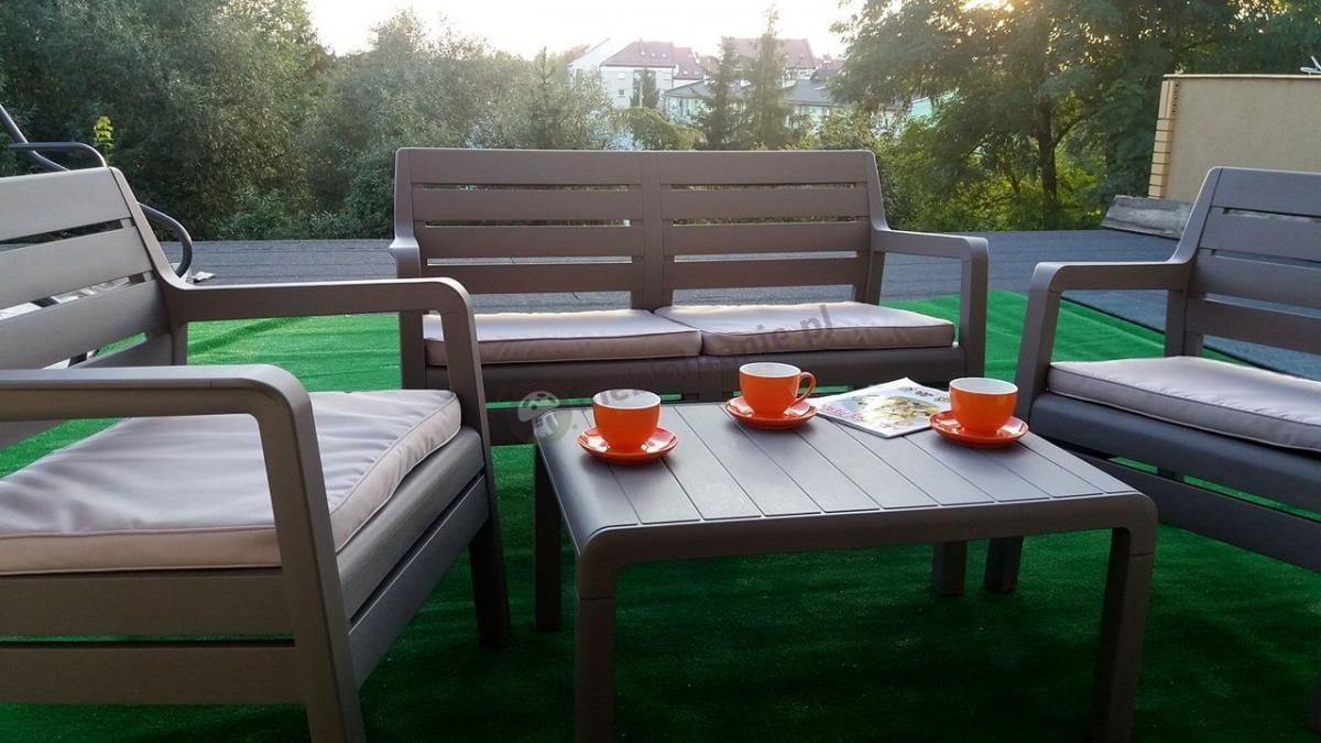 Zestaw wypoczynkowy ogrodowy z niskim stolikiem kawowym