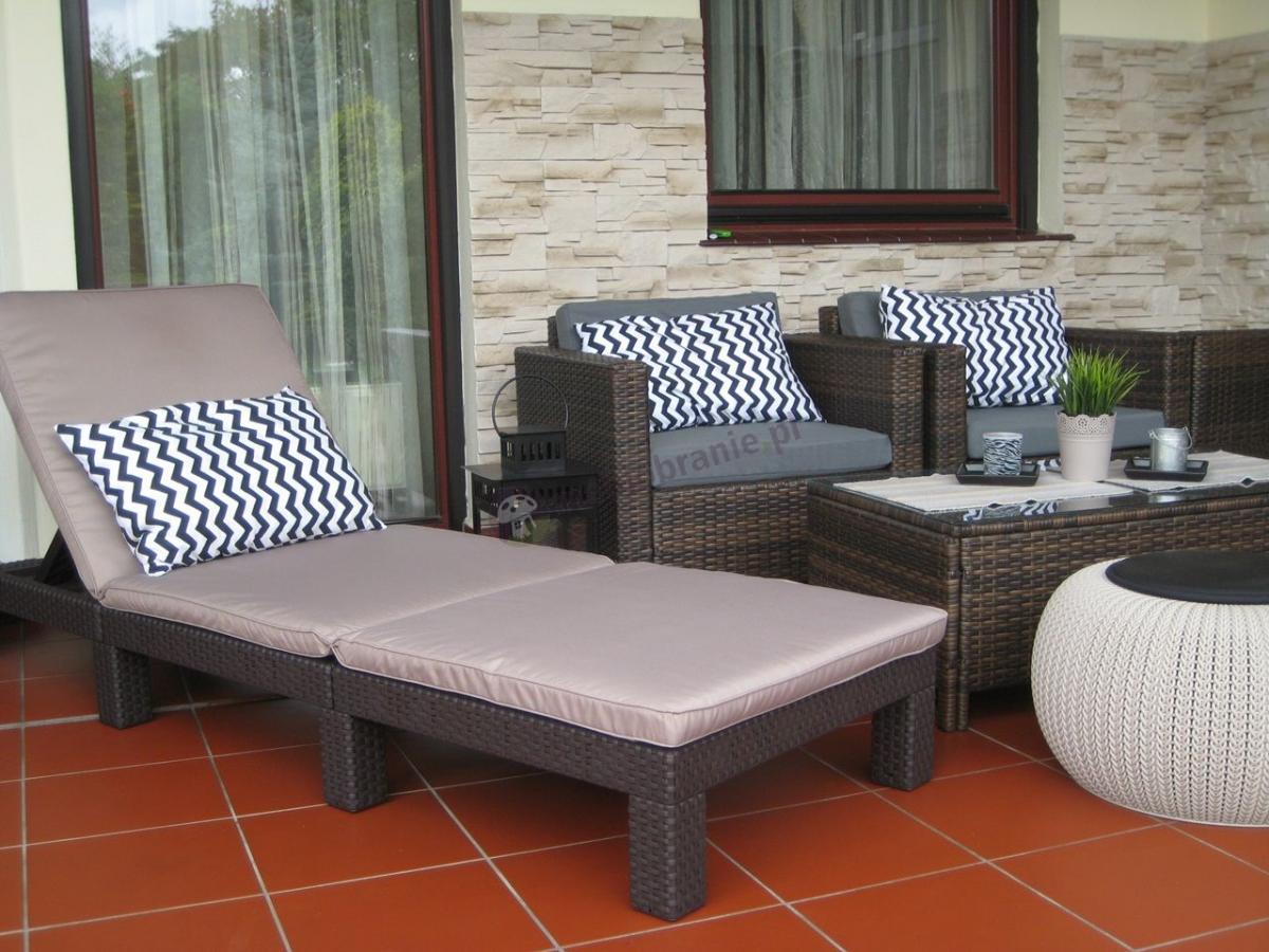 Zestawy ratanowe na taras - leżak, zestaw wypoczynkowy i pufa Knit
