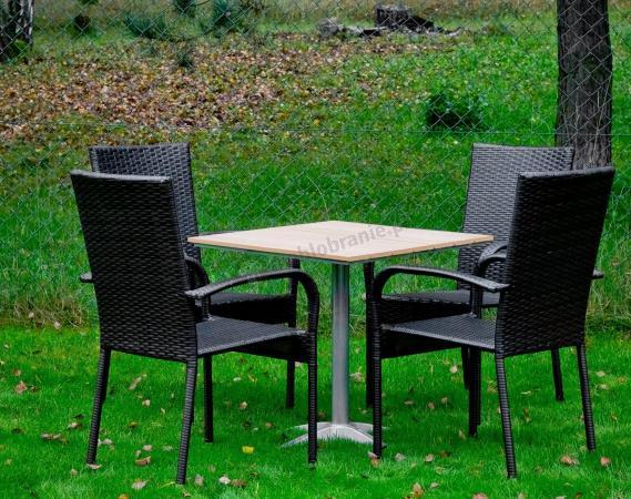 Komplet z czterema krzesłami Quattro