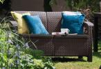 Sofa ogrodowa Corfu Love Seat - brąz/czekolada w ogrodzie