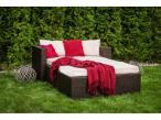 Sofa ogrodowa technorattanowa w ogrodzie