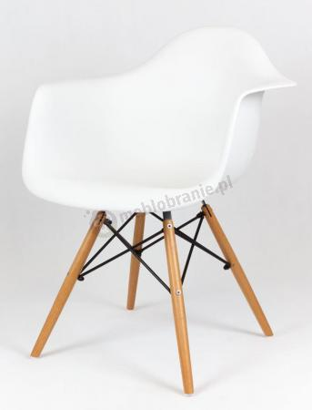 Krzesło skandynawskie z podłokietnikami białe