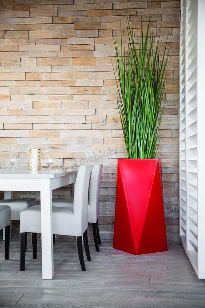 Donica Nevis czerwona