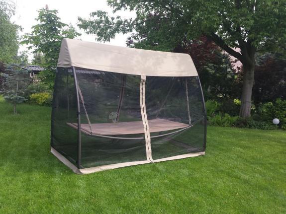 Huśtawka ogrodowa z moskitierą Naksos