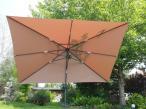 Beżowy parasol Elena rozłożony