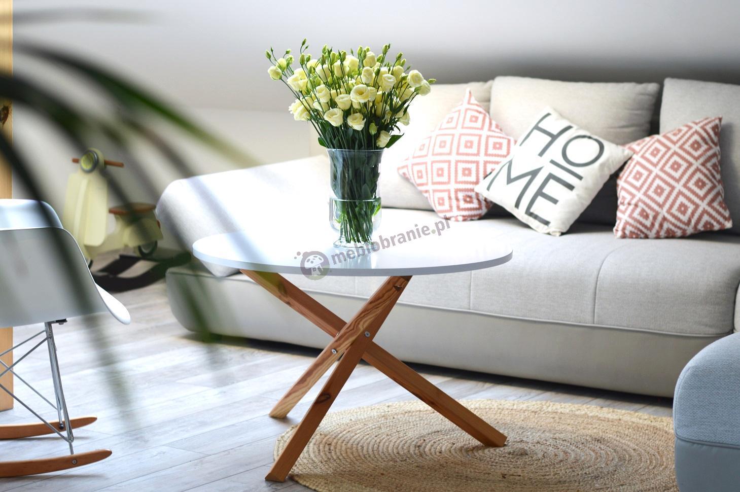 Stolik kawowy drewno w stylu skandynawskim biały Triple-80