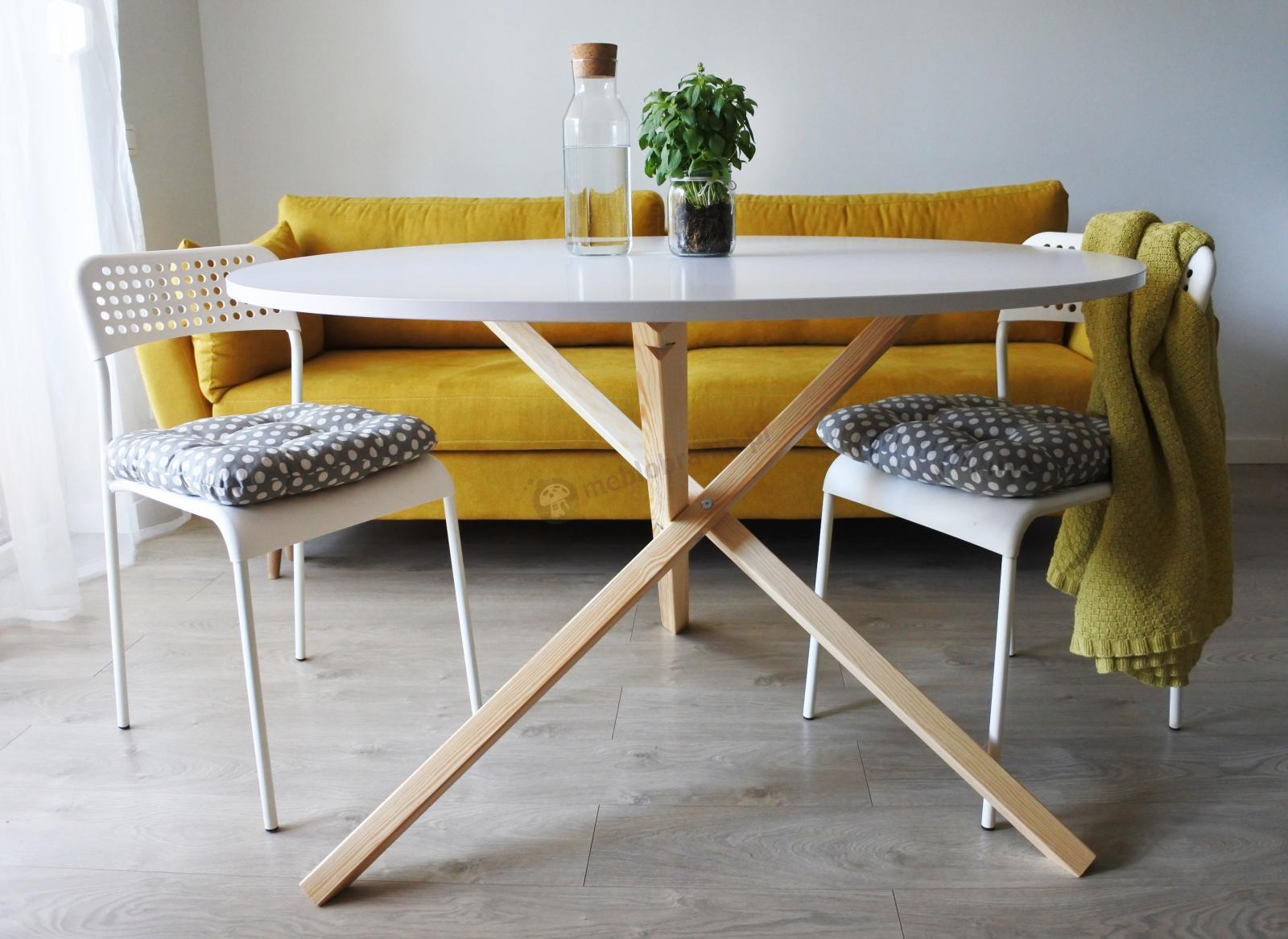 Biały stół w stylu skandynawskim