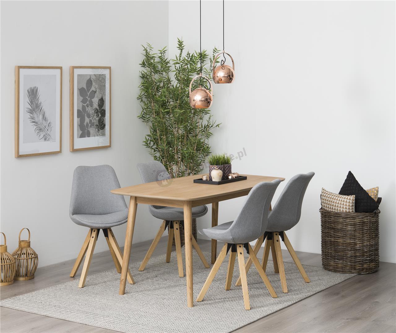 Actona Nagano stół dębowy z jasnoszarymi krzesłami
